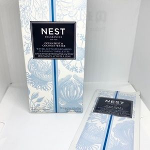 Nest scented body and hand wipes